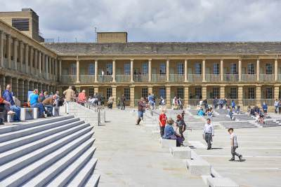 The Piece Hall piazza. Credit Paul White.